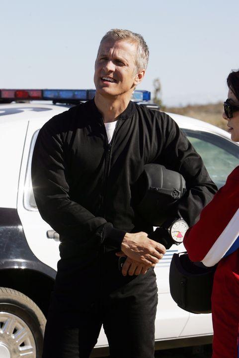 Hat Randall Faulk (Patrick Fabian) etwas mit den mysteriösen Unfällen zu tun? - Bildquelle: Warner Bros. Television