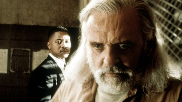 Der ehrgeizige Psychologe Theo Caulder (Cuba Gooding jr.) nimmt die Herausfor...