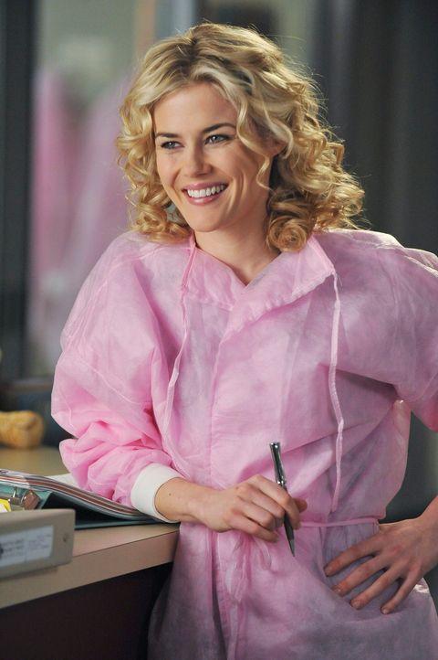 Alex gerät wegen einer Patientin mit der neuen Geburtshelferin Dr. Lucy Fields (Rachel Taylor) aneinander ... - Bildquelle: ABC Studios