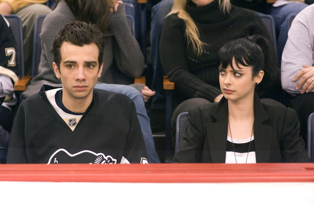 Patty (Krysten Ritter, r.) verrät Kirk (Jay Baruchel, l.), dass Molly auf ihn steht ... - Bildquelle: 2009 DREAMWORKS LLC.  All Rights Reserved.