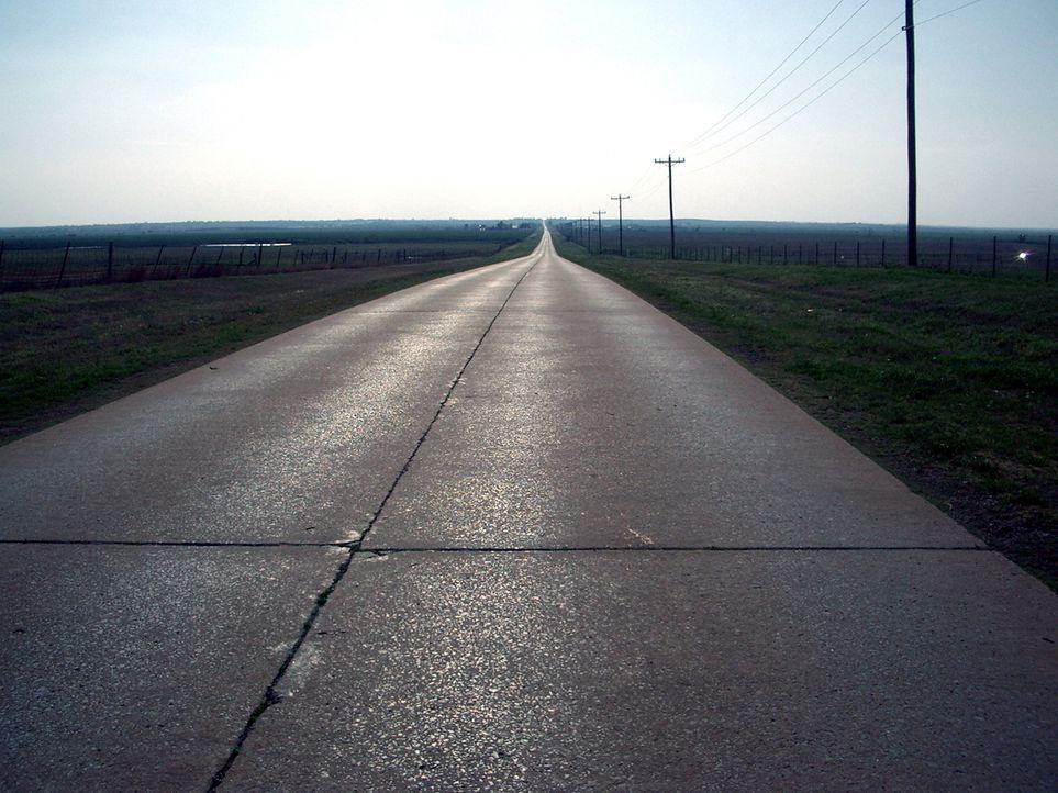 Auf fast 4.000 Kilometern Länge durchquert diese Straße acht US-Bundesstaaten: die legendäre Route 66. Der ursprüngliche Interstate Highway zwischen... - Bildquelle: Matthew P. Hickey
