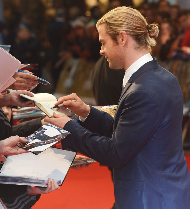 chris-hemsworth-120419-premiere-the-avengers-120419-comjpg 1820 x 2000 - Bildquelle: WENN.com