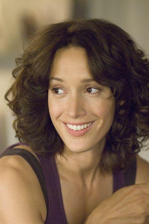 Bette Porter (Jennifer Beals) fühlt sich geschmeichelt als Tina gesteht, dass sie die Zeit mit ihr vermisst. - Bildquelle: 2007 SHOWTIME NETWORKS INC. ALL RIGHTS RESERVED.