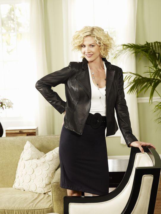 (1. Staffel) - Die Filmkritikerin Billie (Jenna Elfman) führt ein äußerst chaotisches Leben ... - Bildquelle: 2009 CBS Broadcasting Inc. All Rights Reserved