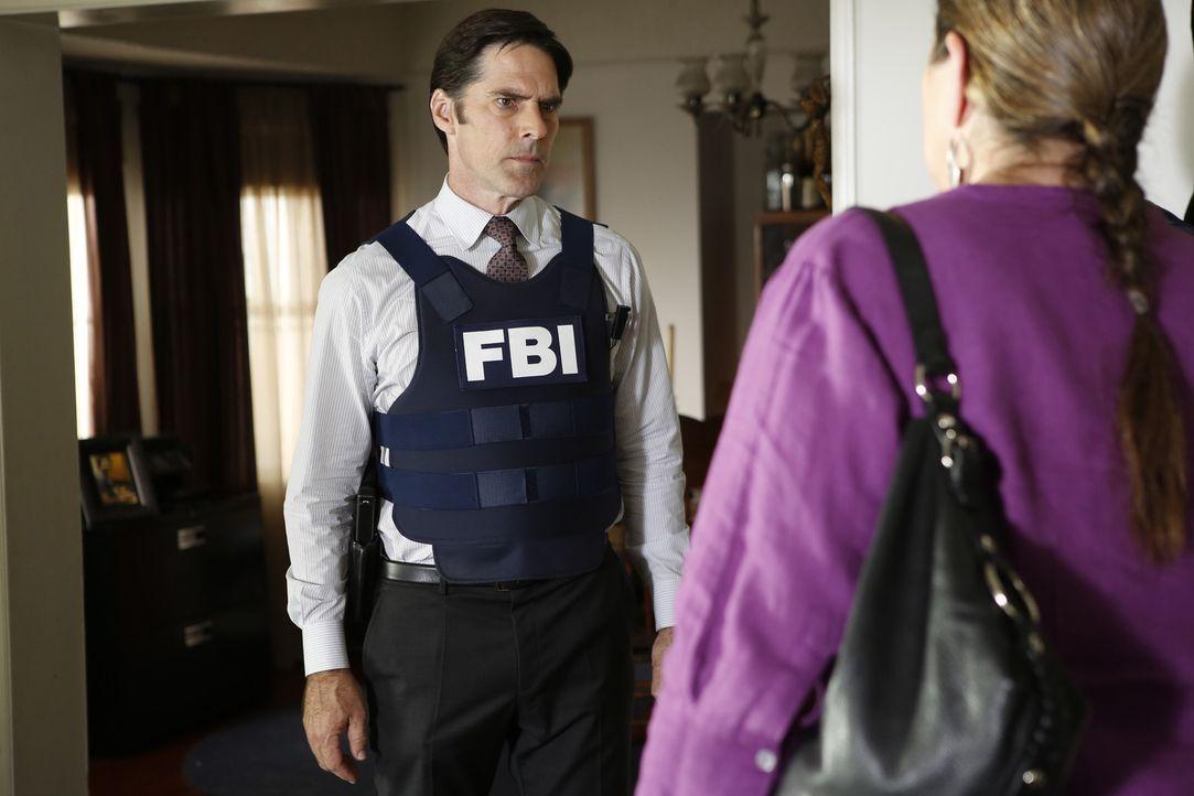 Während der Ermittlungen in einem neuen Fall, spekuliert, das Team, dass Hotch (Thomas Gibson, l.) der neue Chef der Bau werden könnte ... - Bildquelle: ABC Studios