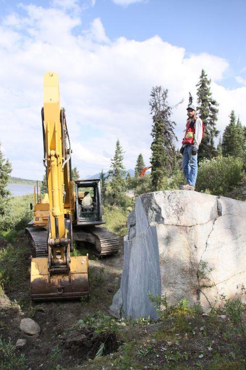 Stecken in diesem Gesteinsbrocken wertvolle Jade-Edelsteine? Ein ganzes Dorf geht in Jade City im Norden von British Columbia auf die Jagd nach dem... - Bildquelle: JADE PRODUCTIONS LTD.