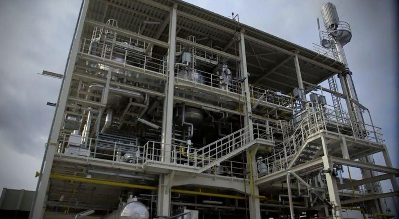 Geht's auch ohne Erdöl? Erdöl ist einer der wichtigsten Rohstoffe unserer Zeit, doch laut aktuellen Schätzungen ist in 50 Jahren Schluss! Was würde... - Bildquelle: ProSieben