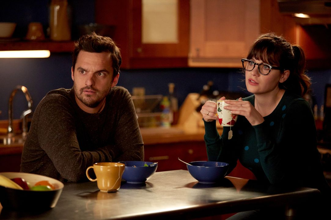Während sich Jess (Zooey Deschanel, r.) mit Ceces Hochzeitskleid herumärgert, ist Nick (Jake Johnson, l.) am Verzweifeln, als Reagan nicht auf seine... - Bildquelle: John P. Fleenor 2016 Fox and its related entities.  All rights reserved.