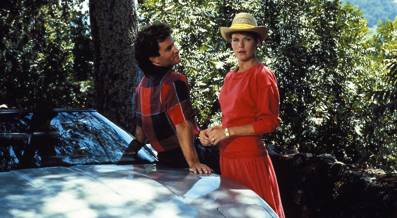Pilar und Lance wären ein schönes Paar - Bildquelle: Warner Brothers