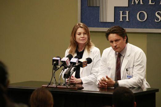 Müssen im Krankenhaus eine Pressekonferenz zur Rettung im Flugzeug geben: Mer...