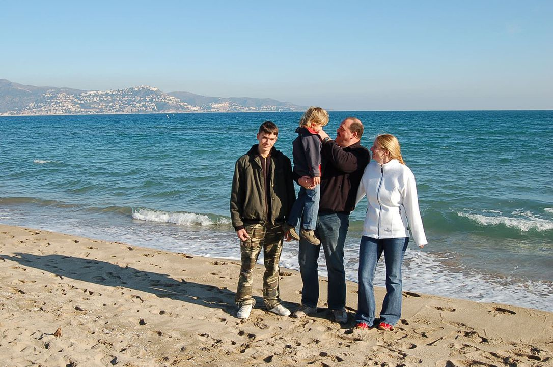 Familie Ziegler aus Sachsenheim bei Stuttgart hat vor vier Monaten einen Neuanfang gewagt: In Spanien an der Costa Brava. - Bildquelle: kabel eins