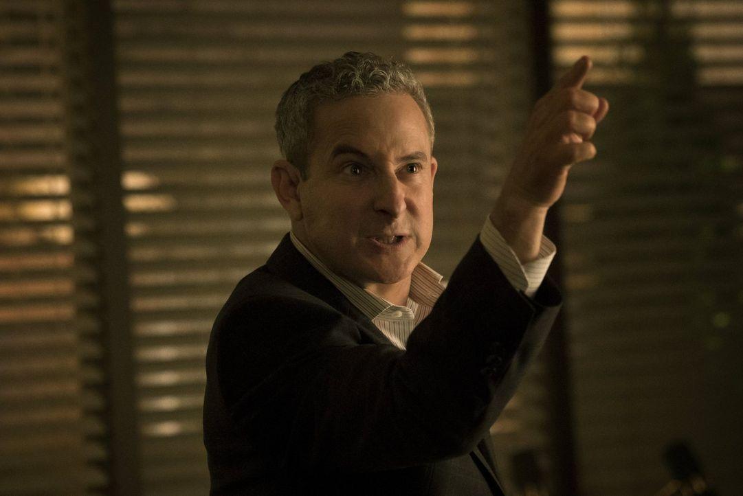 Mister Boss (Eddie Jemison) ist geschockt, als er erfährt, dass Blaine noch lebt. Was wird er als nächstes tun, um seine Machtposition in der Stadt... - Bildquelle: 2014 Warner Brothers
