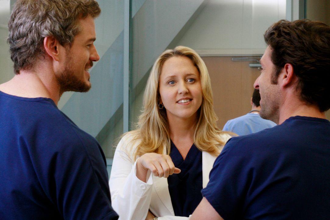 """Erica Hahn (Brooke Smith , M.) tritt ihren Dienst im """"Seattle Grace"""" an und erweist sich als äußerst schlagfertig im Umgang mit ihren männlichen... - Bildquelle: Touchstone Television"""