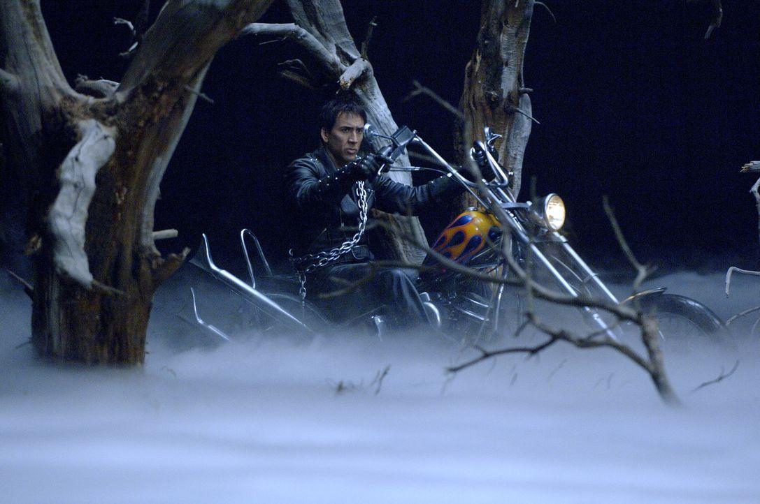 Blaze (Nicolas Cage) muss Nacht für Nacht in Gestalt eines Dämons seine Runden ziehen und alle Opfer des Teufels in die Hölle schicken. Eines Tages... - Bildquelle: 2007 CPT Holdings, Inc. All Rights Reserved. (Sony Pictures Television International)