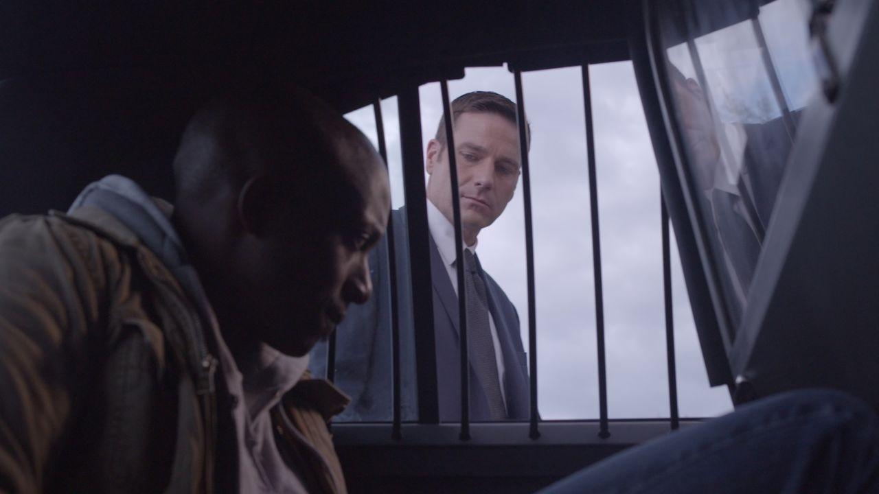 Ist Ermittler Lt. Joe Kenda (Carl Marino, r.) dem richtigen Mörder bereits auf der Spur? - Bildquelle: Jupiter Entertainment