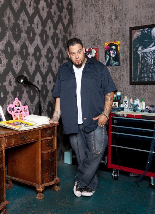 Der Tätowierer Big Gus ist ein wahrer Meister in seinem Handwerk. Zusammen mit zwei Kollegen hat er sich darauf spezialisiert, misslungene Tattoos... - Bildquelle: 2012 Spike Cable Networks Inc. All Rights Reserved.