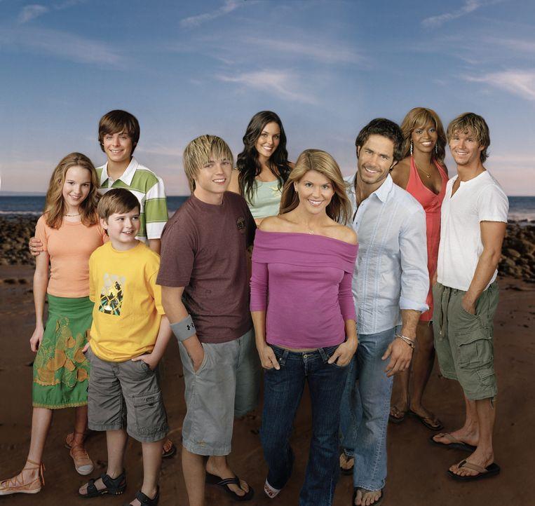 (2. Staffel) - Summerland Beach: (v.l.n.r.): Nikki (Kay Panabaker), Camerona (Zac Efron), Derrick (Nick Benson), Bradin (Jesse McCartney), Erika (Ta... - Bildquelle: CBS Television