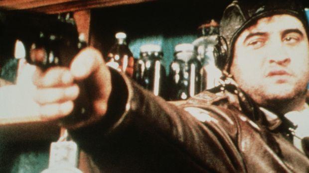 Wenn der Bruchpilot Wild Bill Kelso (John Belushi) einmal nichts zu Trinken b...