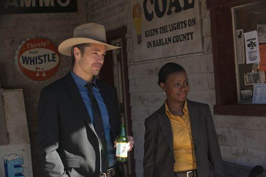 Justified - Deputy Marshal Raylan Givens (Timothy Olyphant, l.) und US Marsha...
