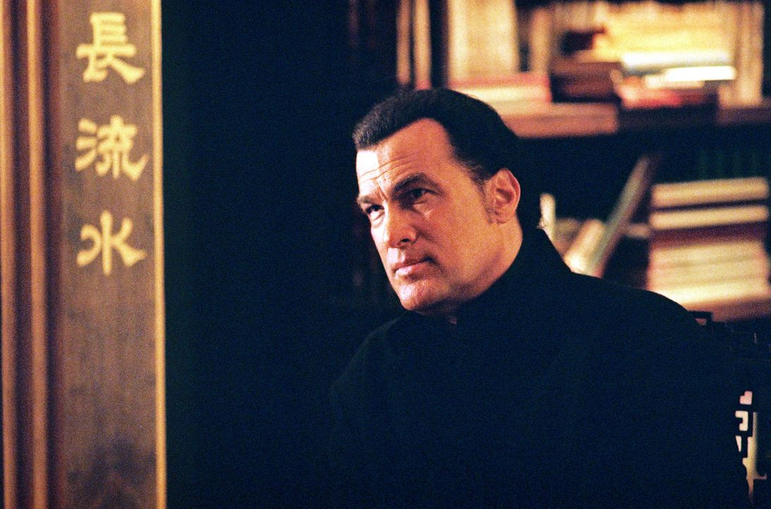 US-Spezialagent Hunter (Steven Seagal) begibt sich auf die Spur einer Yakuza-Triaden-Koalition ... - Bildquelle: 2005 Sony Pictures Home Entertainment Inc. All Rights Reserved.
