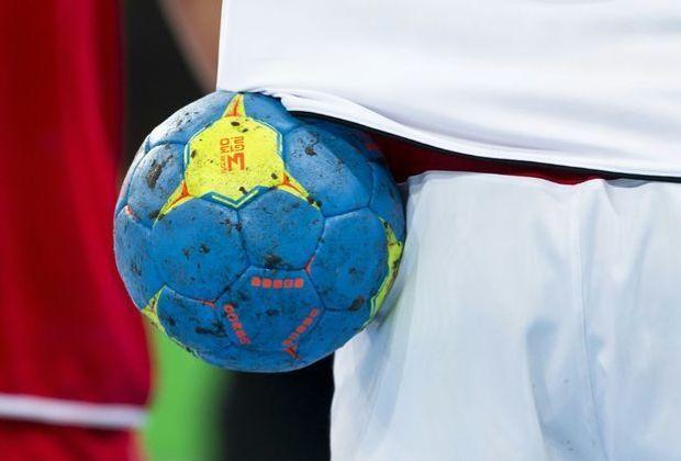 IHF plant den Einsatz eines selbstklebenden Balls