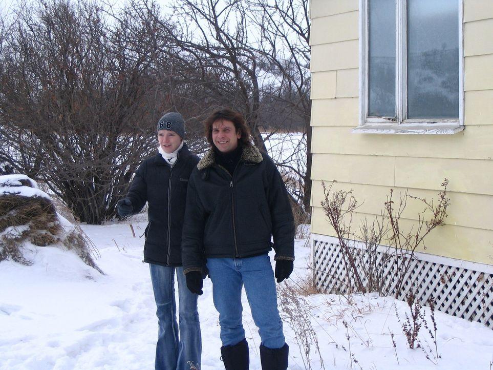 Mit Hilfe von Volkers zukünftigem Chef haben die Auswanderer ein großzügiges Anwesen, ca. 50 km von Estevan entfernt gemietet: Zwei Wohnhäuser m... - Bildquelle: kabel eins