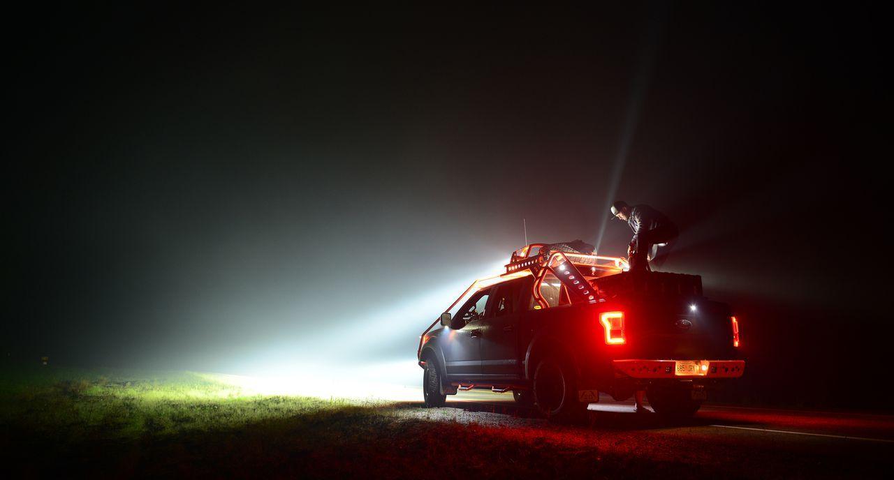 Den Tornado Huntern wird bewusst, dass der Wind einen gigantischen Brand in der kanadischen Provinz Saskatchewan zu einer monströsen Gefahr machen k...