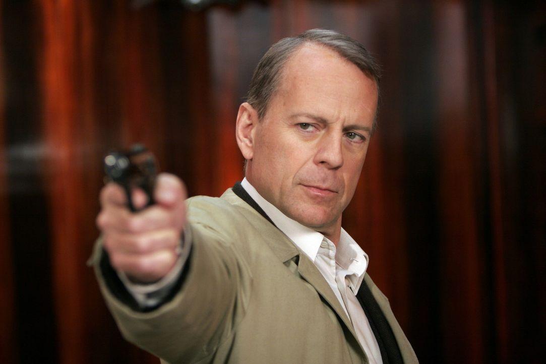 """Gangsterchef """"Der Boss"""" will sich für den Tod an seinem Sohn rächen. Deshalb engagiert er den Killer Mr. Goodcat (Bruce Willis), der den Sohn von... - Bildquelle: Metro-Goldwyn-Mayer (MGM)"""