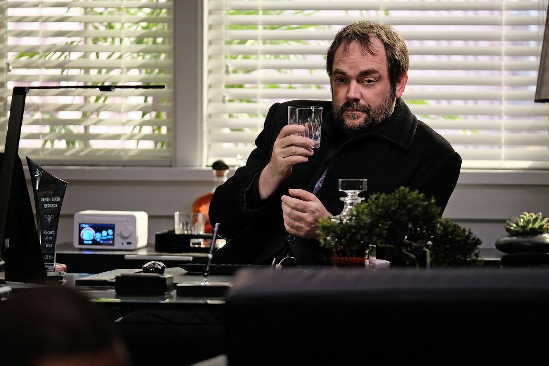 Crowley (Mark Sheppard) - Bildquelle: Robert Falconer 2016 The CW Network, LLC. All Rights Reserved/Robert Falconer