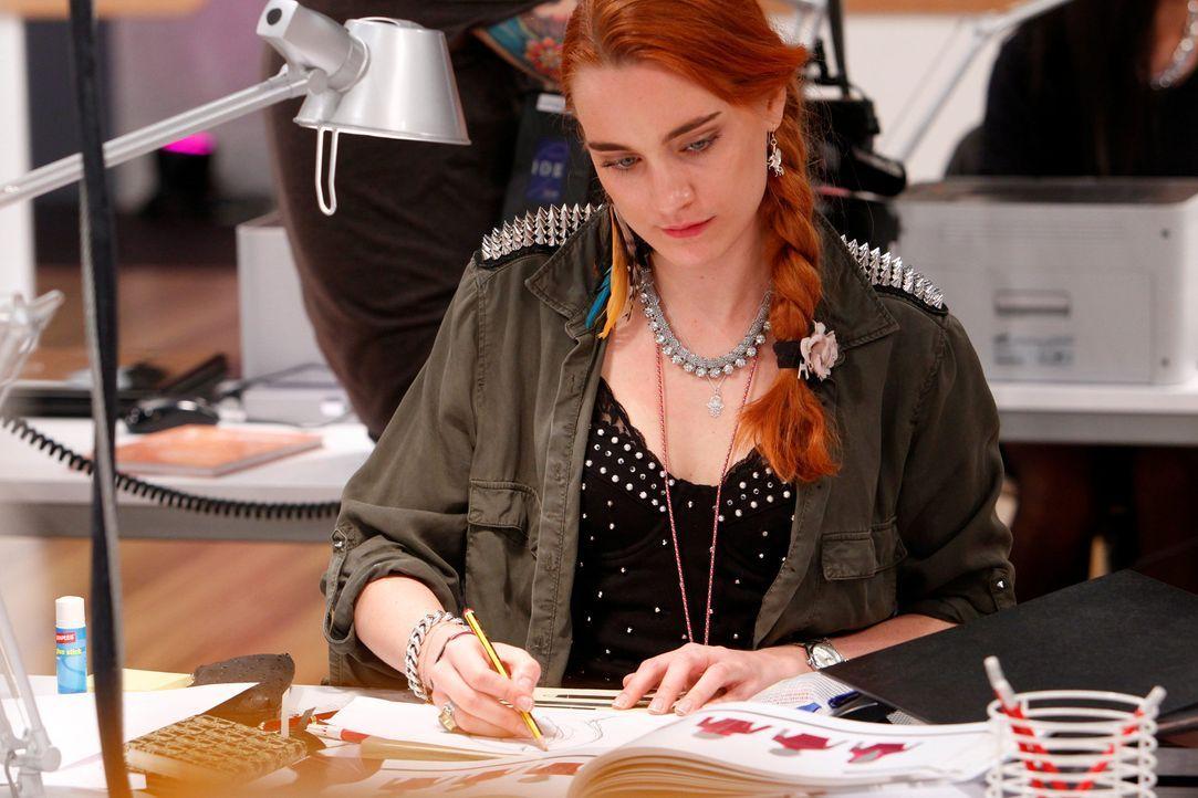 """In jeder Folge von """"Fashion Hero"""" präsentieren die Designer ihre Entwürfe der Wochenaufgabe in einer Modenschau vor den drei Einkäufern von ASOS,... - Bildquelle: Richard Hübner ProSieben"""