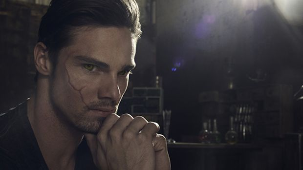 Beauty and the Beast - Darsteller und Charaktere - Jay Ryan