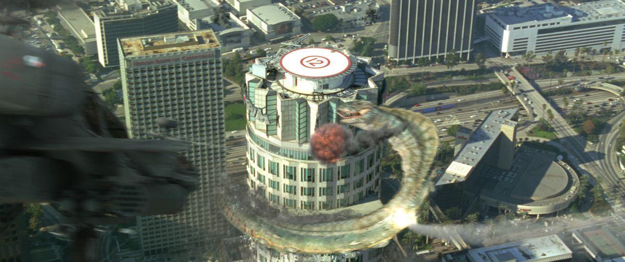 Eine 500 Jahre alte Buraki Schlange sinnt im heutigen L.A. auf Rache ... - Bildquelle: Sony 2007 CPT Holdings, Inc.  All Rights Reserved