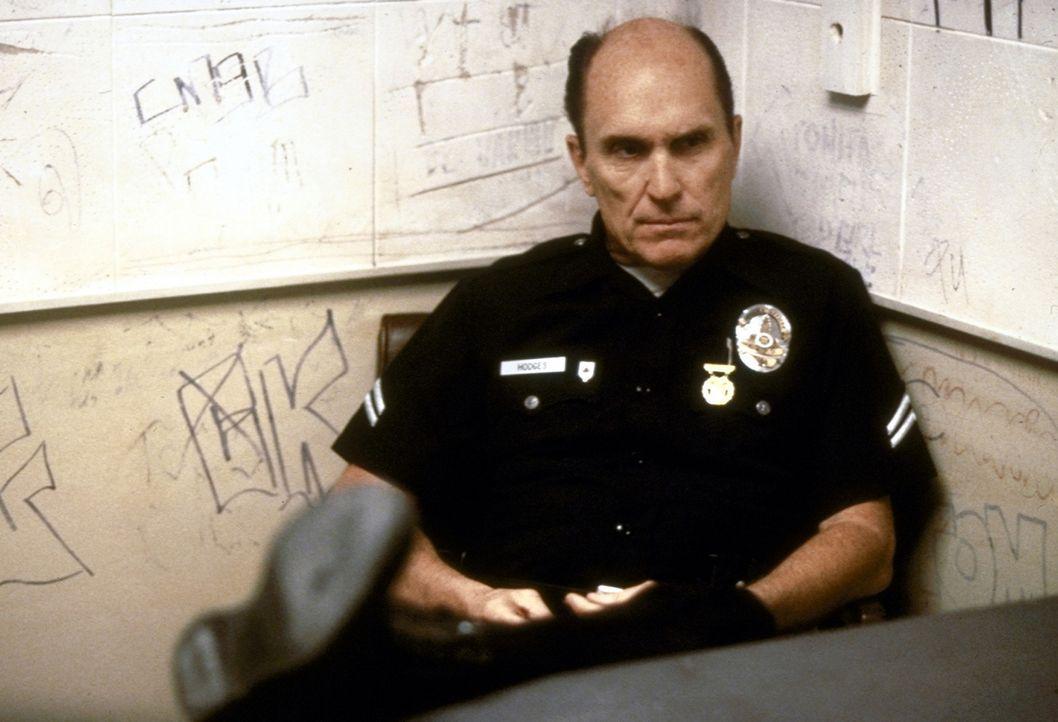 Bob Hodges (Robert Duvall) hat es nicht leicht als Cop in Los Angeles. Vor allem der Bandenkrieg zwischen den Crips und den Bloods macht ihm zu scha... - Bildquelle: Orion Pictures Corporation