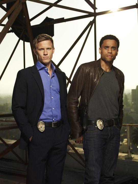 (1. Staffel) - Travis Marks (Michael Ealy, r.) und Wes Mitchell (Warren Kole, l.) sind Cops beim LAPD-Morddezernat und haben ein Problem: Sie könne... - Bildquelle: USA Network