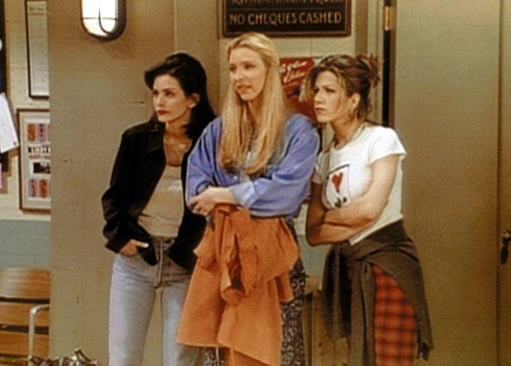 (v.l.n.r.) Monica (Courteney Cox), Phoebe (Lisa Kudrow) und Rachel (Jennifer Aniston) besuchen einen Tanzkurs, um eine Betrügerin zu entlarven. - Bildquelle: TM+  2000 WARNER BROS.