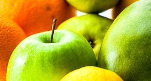 Obst wie Äpfel und Orangen sind auch erlaubt bei der Zwieback-Diät.