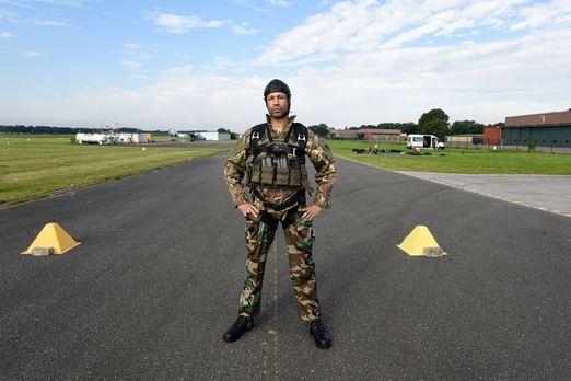 Hart, Härter, Elitesoldaten: Für seine Wissens-Show lernt Evil Jared Hasselho...