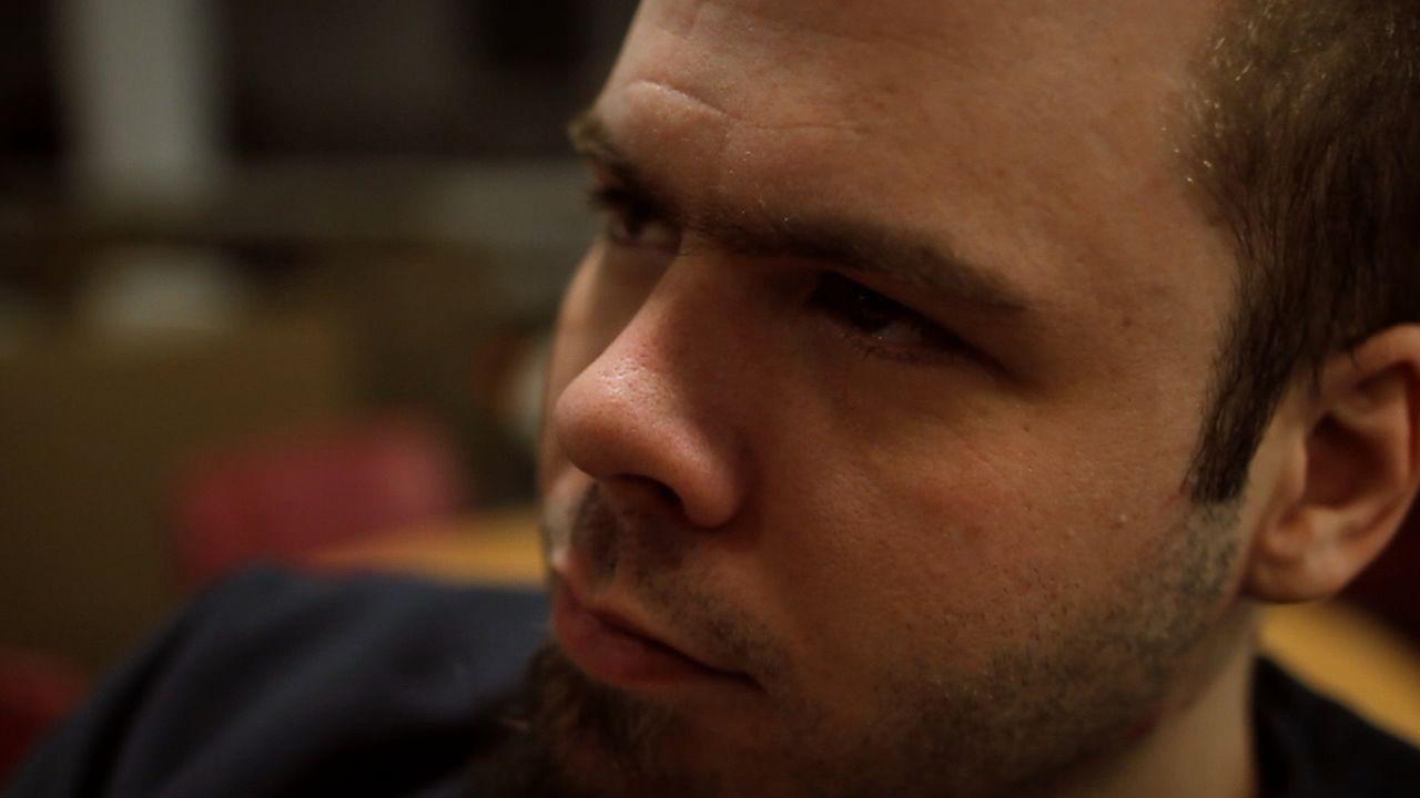 David Hinton steckt wegen häuslicher Gewalt im Knast, was ihn und seine Freundin, die auch im Gefängnis sitzt, nicht davon abhält, ihre Beziehung du... - Bildquelle: James Peterson National Geographic Channels/ Part2 Pictures