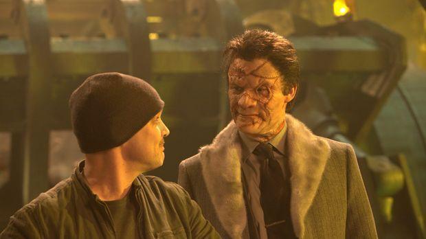 Nachdem der Punisher ihn grauenvoll entstellt hat, sinnt Gangster Billy Russo...