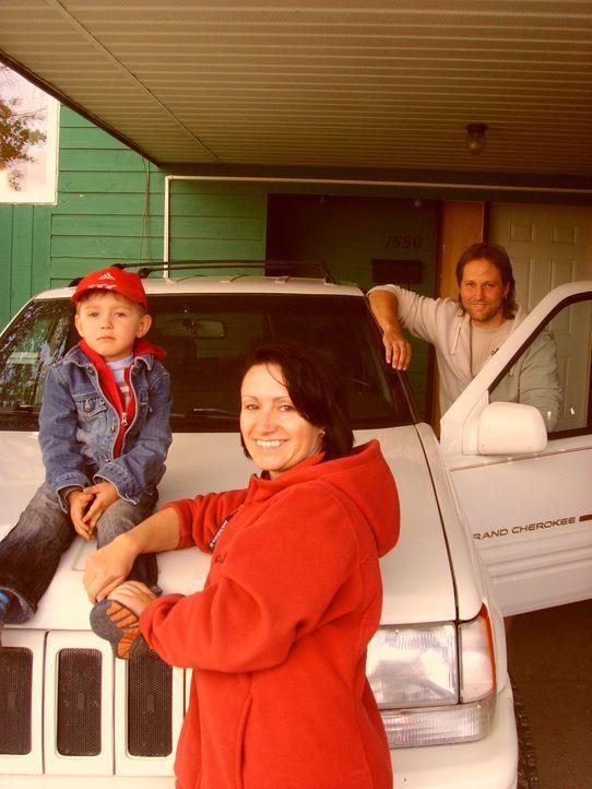 Der gelernte Klempner und Spengler Thomas hat in Dawson Creek einen Job in einem Dachdeckerbetrieb gefunden. Nun geht es mit dürftigen Sprachkenntn... - Bildquelle: kabel eins