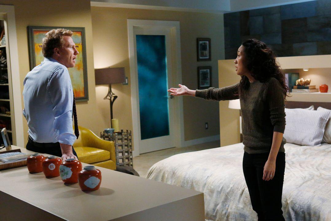 Cristina (Sandra Oh, r.) stellt sich die Frage, ob sie und Owen (Kevin McKidd, l.) noch eine gemeinsame Zukunft haben, während ein Patient über Lebe... - Bildquelle: ABC Studios