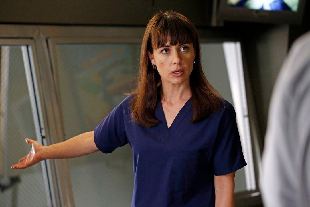 Während Arizona unter starken Phantomschmerzen leidet, sorgt Dr. Cahill (Constance Zimmer) im Seattle Grace für Unruhe ... - Bildquelle: ABC Studios