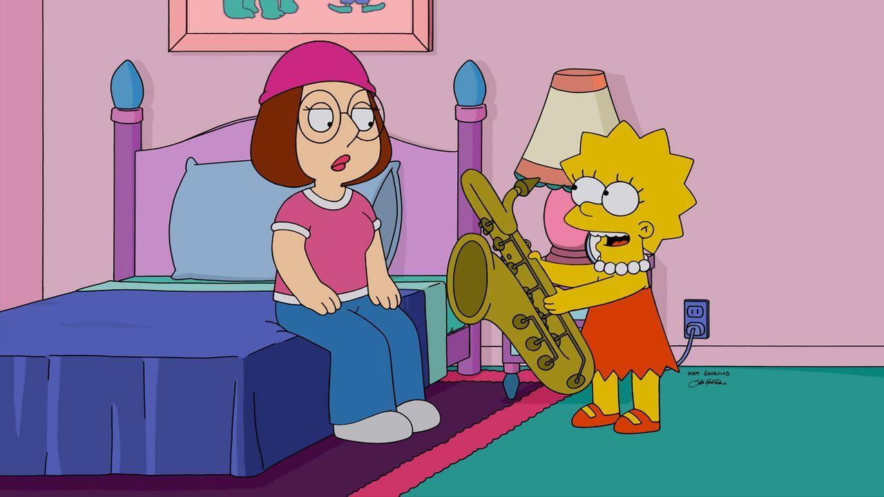 Lisa (r.) ahnt nicht, dass sie bereuen wird, Meg (l.) zu zeigen, wie man Saxophon spielt ... - Bildquelle: 2015-2016 Fox and its related entities. All rights reserved.