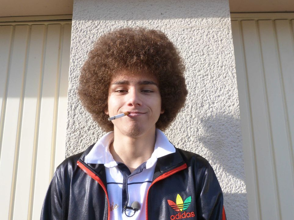 Kiffen, chillen, feiern - das ist Justins Welt. Das nötige Kleingeld für seinen Lebensstil schnorrt er bei seinen Eltern. Bekommt der 16-Jährige nic... - Bildquelle: SAT.1