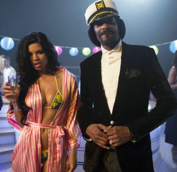 Niemand soll sagen, dass man mit Cannabis nicht weit kommt: Ja'Marcus (Snoop Dogg, r.) ist gut im Geschäft ... - Bildquelle: 2013 Constantin Film Verleih GmbH.