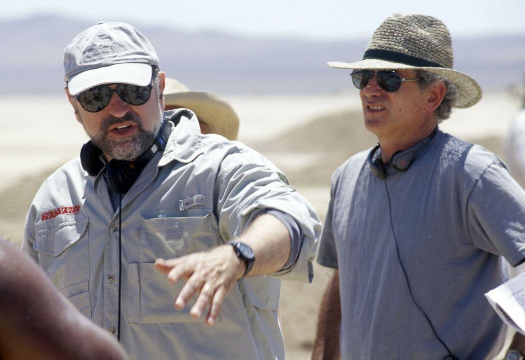 Regisseur Andrew Davis gibt letzte Regieanweisungen ... - Bildquelle: Buena Vista Pictures Distribution