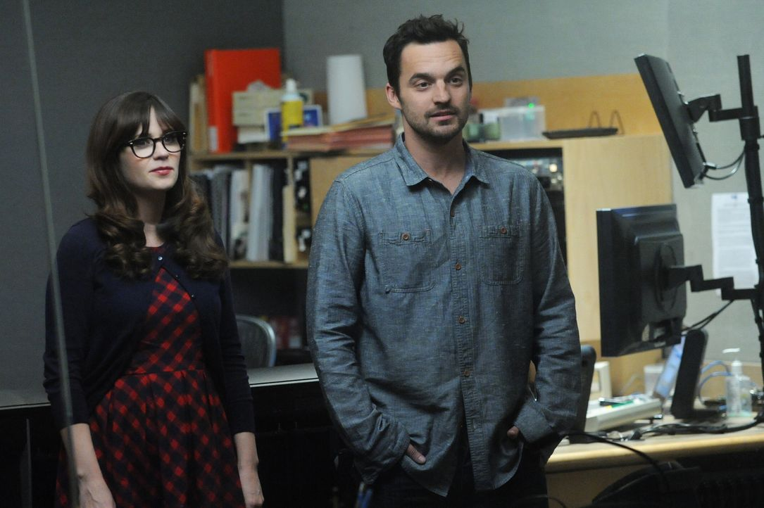 "Die ""Liebesdoktorin"" Jess (Zooey Deschanel, l.) will, zusammen mit ihrem Gehilfen Nick (Jake Johnson, r.), das Liebesleben eines Kumpels retten ... - Bildquelle: 2014 Twentieth Century Fox Film Corporation. All rights reserved."