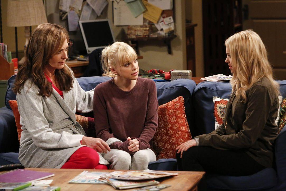 Nach Violets (Sadie Calvano, r.) Geständnis müssen Bonnie (Allison Janney, l.) und Christy (Anna Faris, M.) ein ernsthaftes Gespräch mit ihr führen... - Bildquelle: Warner Bros. Television