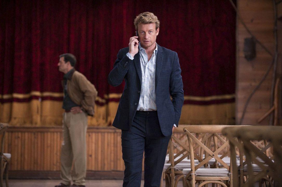 Ist dem Mörder dicht auf den Fersen: Patrick Jane (Simon Baker) ... - Bildquelle: Warner Bros. Television