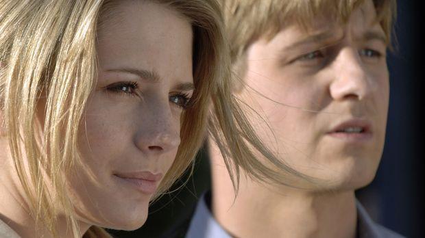 Sogar in Ryans (Benjamin McKenzie, r.) Gegenwart wird Marissa (Mischa Barton,...